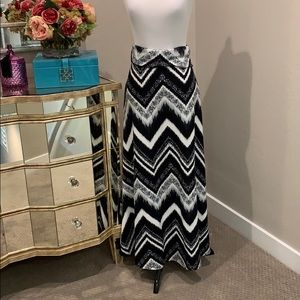Fold over elastic waistband maxi skirt